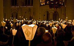 processionauflambeausaintnicolas.jpg