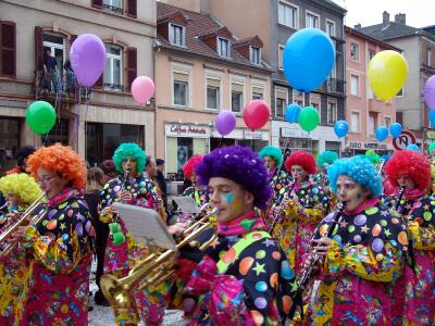 carnavalsarreguemines.jpg