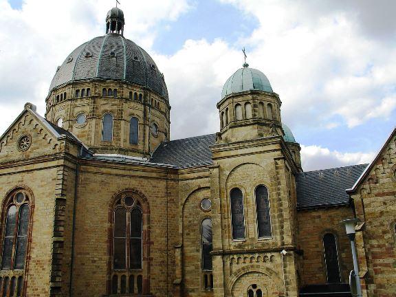 La basilique de Saint-Avold menace de s'effondrer dans Actualité basilique-saint-avold