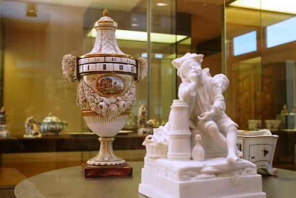 Le Musée du Pays de Sarrebourg renforce ses collections de porcelaine de Niderviller dans Actualité faiencerie-musee-pays-sarrebourg