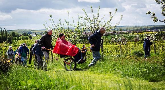Les joëlettes en visite aux Jardins fruitiers de Laquenexy et à Pange dans Actualité img_2315