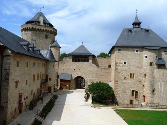 Contre les éoliennes près du Château de Malbrouck ! dans Actualité chateau-de-malbrouck