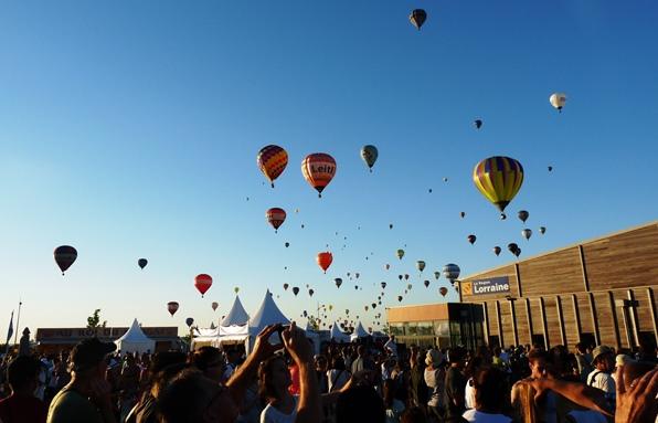 L'envol majestueux des montgolfières en Lorraine dans Actualité lmab-2013-public