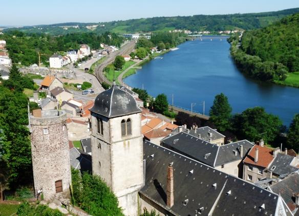 L'assurance vieillesse des ministres du culte en Moselle dans Culture et patrimoine eglise-notre-dame-sierck-les-bains