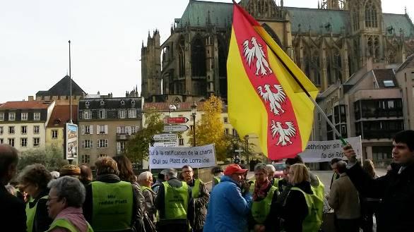 Manifestation langues régionales Metz 1 20151024